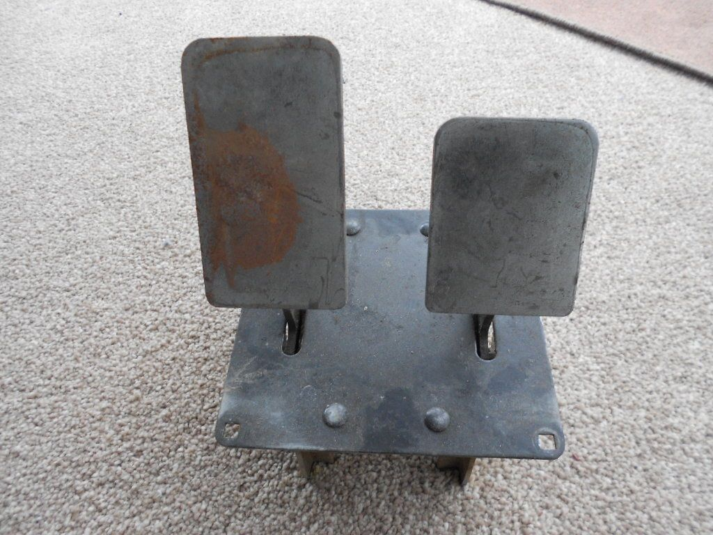 SMALL ACCELERATOR / BRAKE PEDAL UNIT WITH POTS