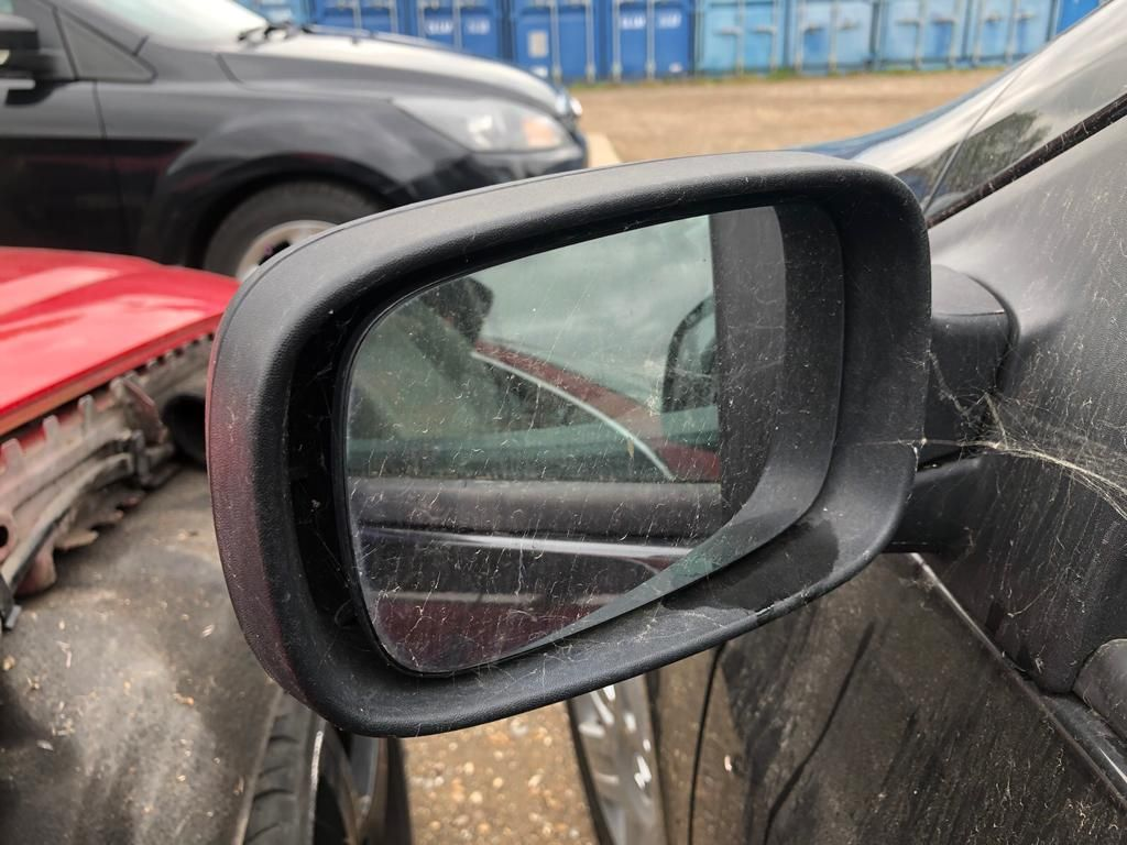 Renault Clio 2006 Wing Mirror + Casing Left Side N/S