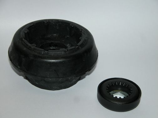 SEAT INCA 1.9 STRUT MOUNT FRONT AXLE LEFT AND RIGHT 7M0412331